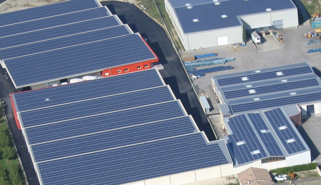 Rooftop-solar-system-e1424444376243-1024x590