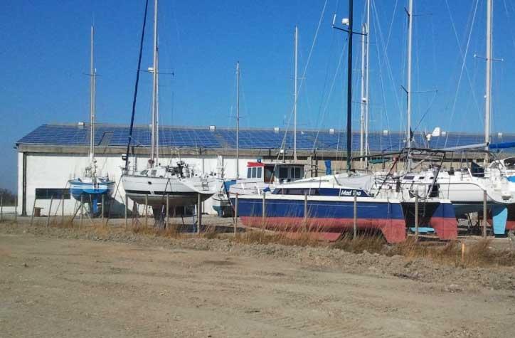 Navy services 210 kwp floating solar panels - Navy service port saint louis du rhone ...
